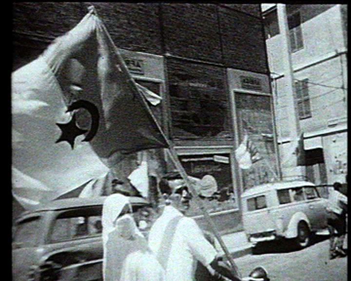 independance 1962 - couple arabe moto