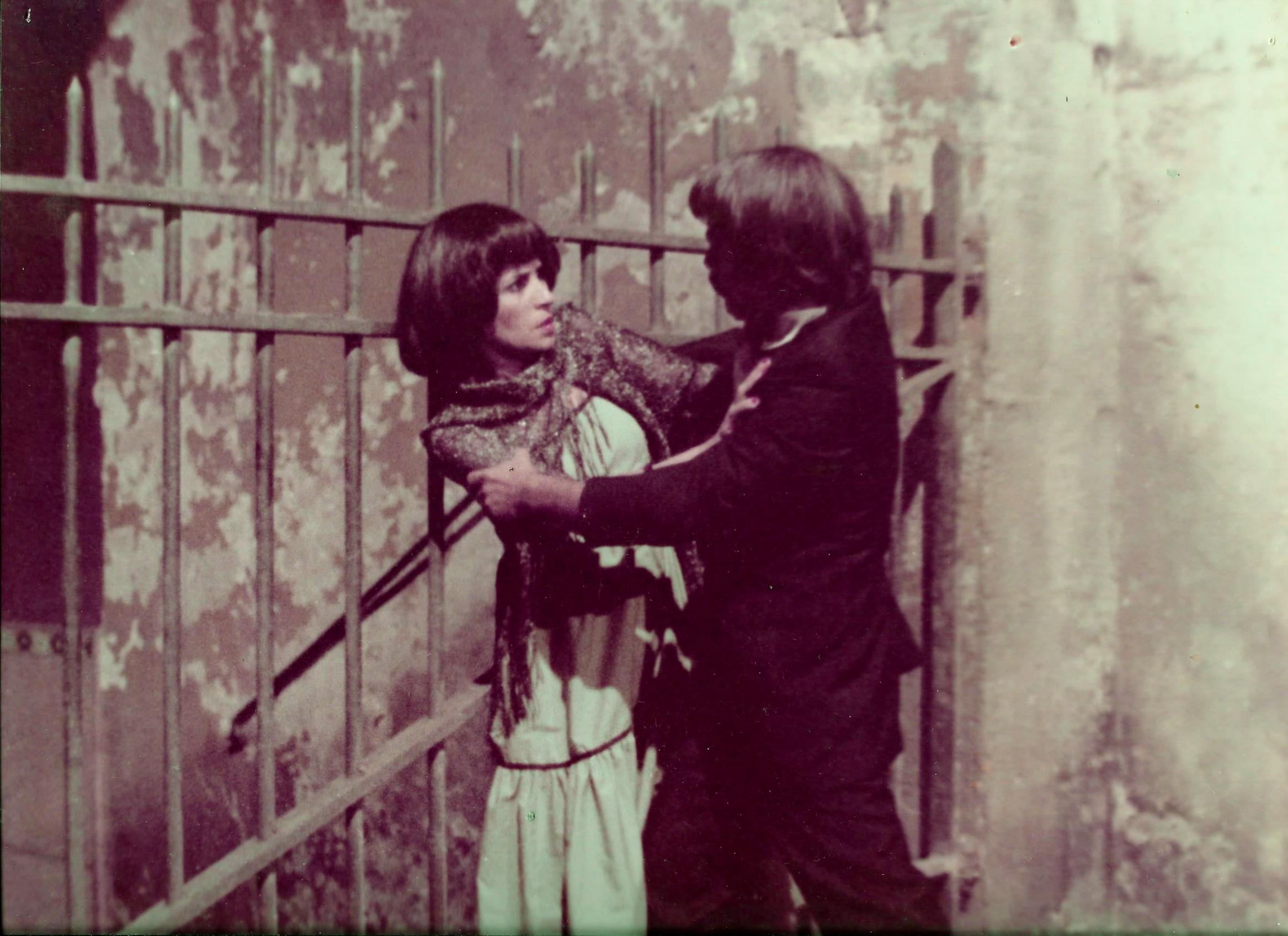 L''Acteur'', Sid Ali Kouiret veut embrasser ''L'Actrice'', Fettouma Ousliha- Empire des Rêves