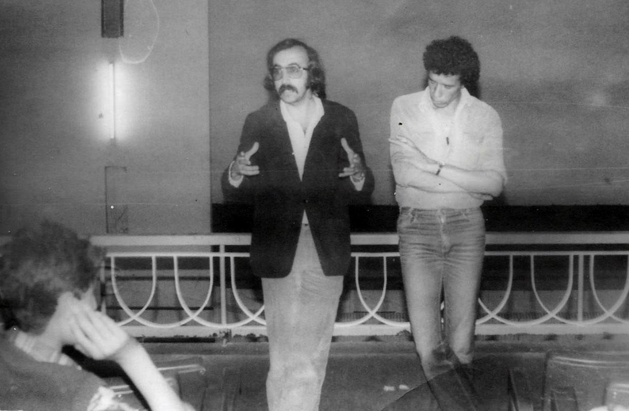 JP-Lledo-apres-film-Théâtre-amateur---Semaine-Culturelle-Saïda-1979